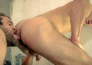 Colby Keller & Paddywack O'Brian in Howl Fastening 1 - DrillMyHole