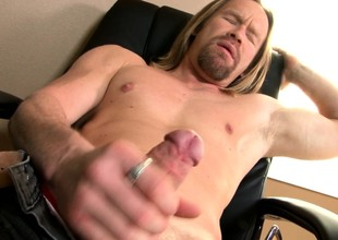Long haired rafter Garrett Michaels brings his spacious prick to pleasure