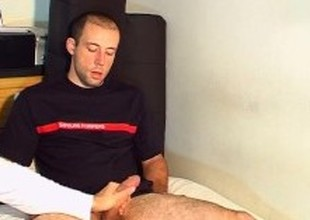 Str8 guy gives me his gargantuan cock to massage !