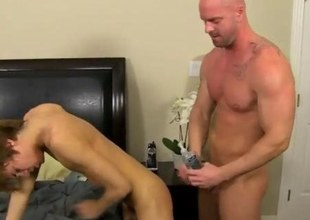 Slender twink ripped apart by a bald hunk