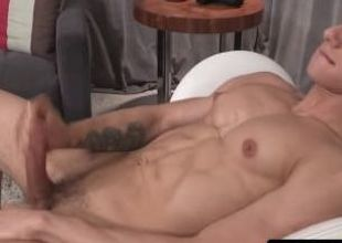 Ripped hunk cumspraying superior to before his sixpack