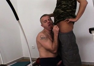Duo hot military hunks snoopy their rejected anal fantasies in the gym