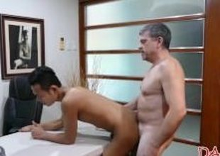Horny asian twink gets his asshole streched by his nabob