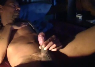 exhib et doigt? anal