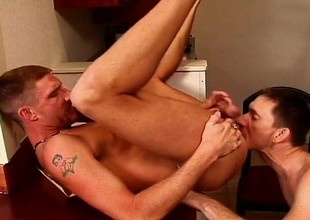 Hard body gay gets blown and rear ended, in good shape they jerk off together