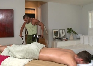 Sexy hunk is getting his folding money sucked wits blissful masseur
