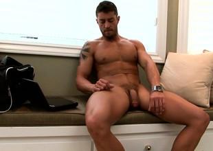 Delightful stud makes his hanker dick erupt wide pleasure wide his hands