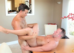Randy stud removes his low-spirited shorts for an ass shacking up foreigner a first responder